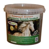 Lenmaggal dúsított gyógynövény keverék lovak, pónilovak számára 5L